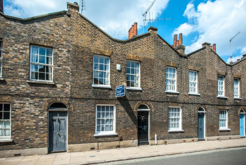House - terraced to rent in Kennington - ROUPELL STREET, SE1