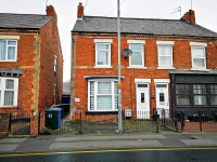90 + 90a Newcastle Avenue, Worksop