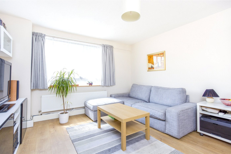 Flat/apartment for sale in Islington - Adams Place, London, N7