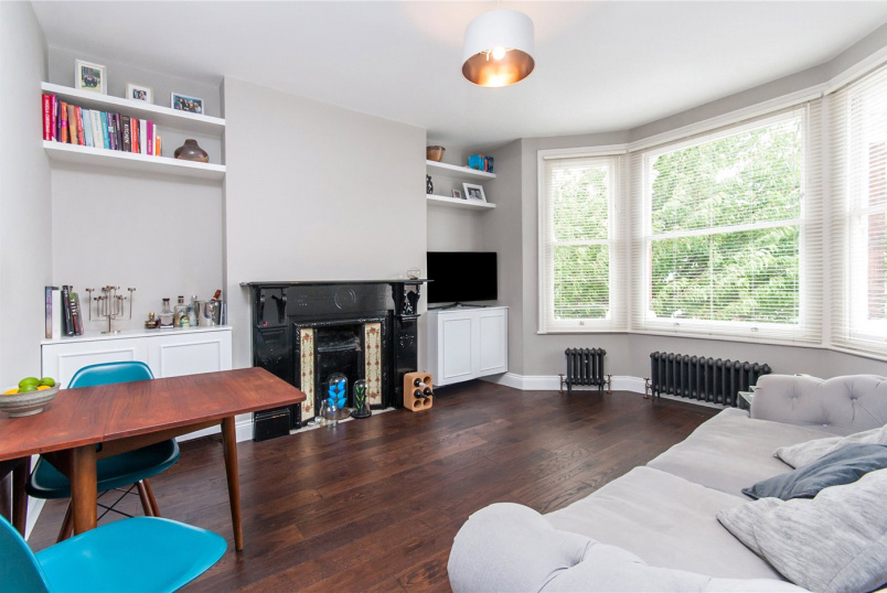 Flat/apartment to rent in Kensal Rise & Queen's Park - Holland Road, London, NW10