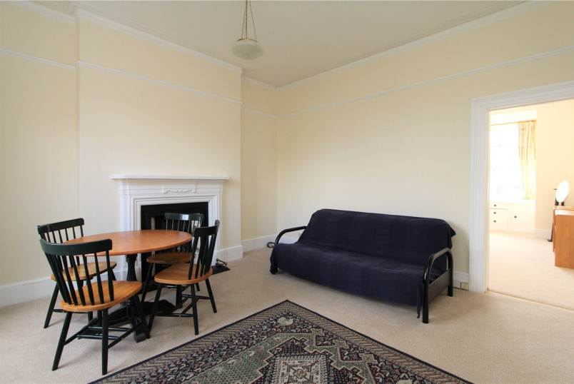 Flat/apartment to rent in Ealing & Acton - The Avenue, West Ealing, W13