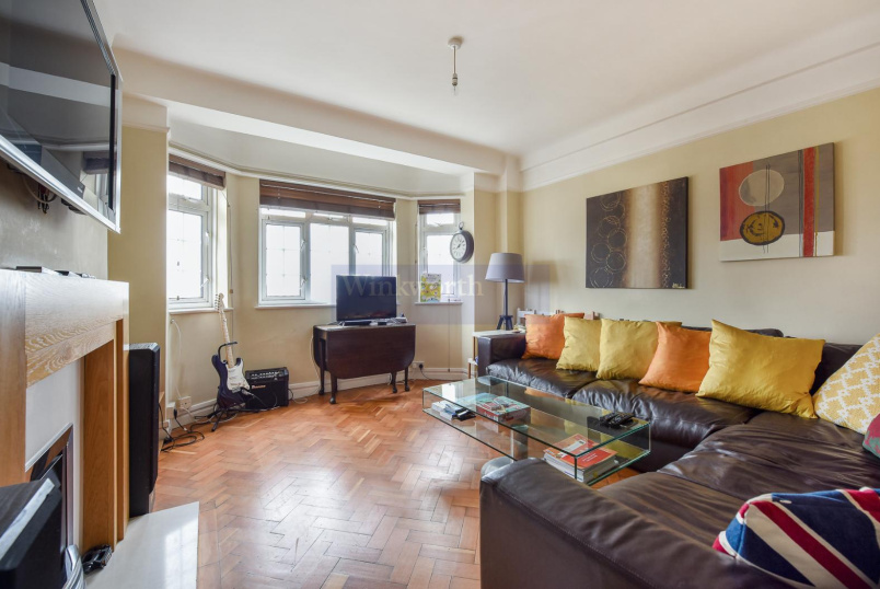 Flat to rent in Clapham - MACAULAY ROAD, SW4