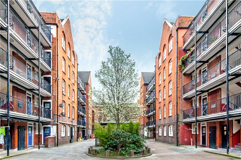 Flat/apartment for sale in Kennington - Overy House, Webber Row, Waterloo, SE1