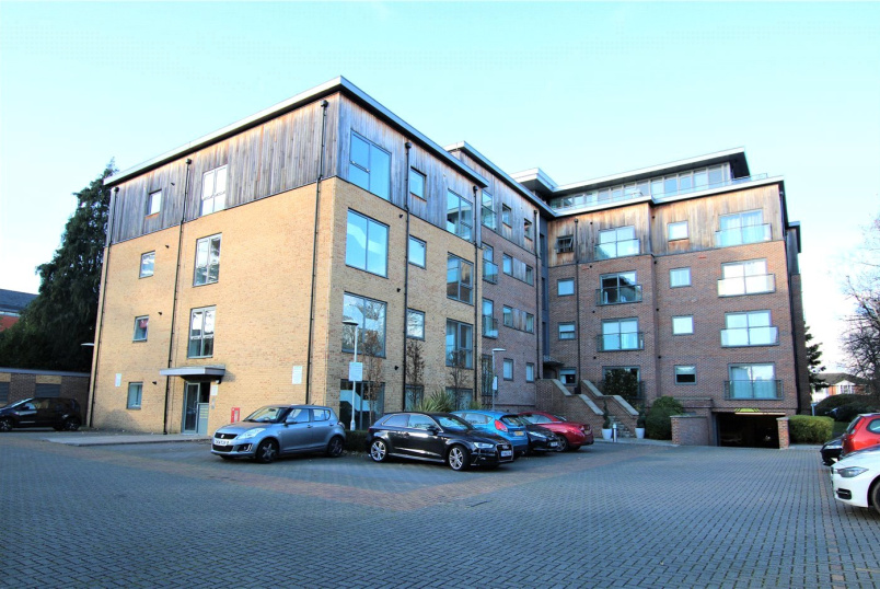 Flat/apartment to rent in Reading - Priory Point, 36 Southcote Lane, Reading, RG30