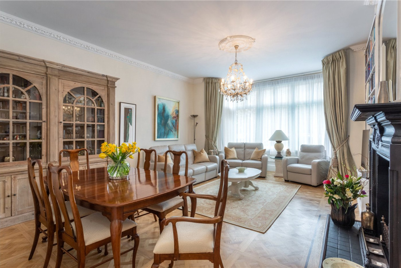 Flat/apartment for sale in Ealing & Acton - Gunnersbury Avenue, Ealing Common, W5