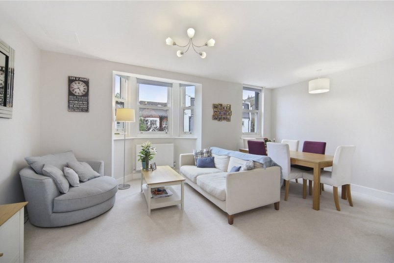 Flat/apartment for sale in Shepherds Bush & Acton - Devonport Road, Shepherds Bush, London, W12