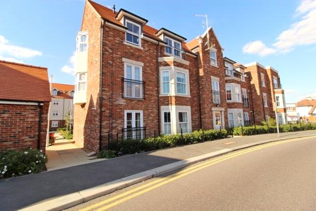 Flat/apartment for sale in Leigh-on-Sea - Madison House, 3 Albany Court, Leigh-on-Sea, SS9