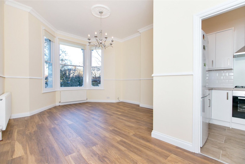 Flat/apartment to rent in North Kensington - St. Quintin Avenue, London, W10