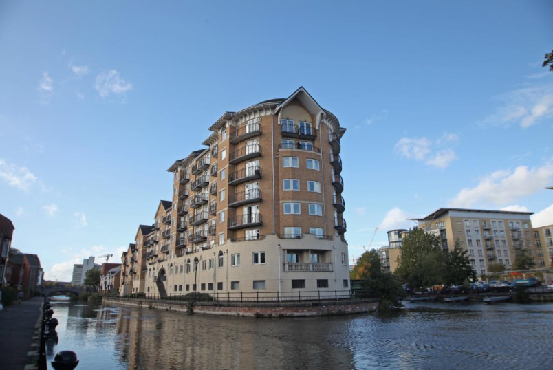 Flat/apartment to rent in Reading - Blakes Quay, Gas Works Road, Reading, RG1
