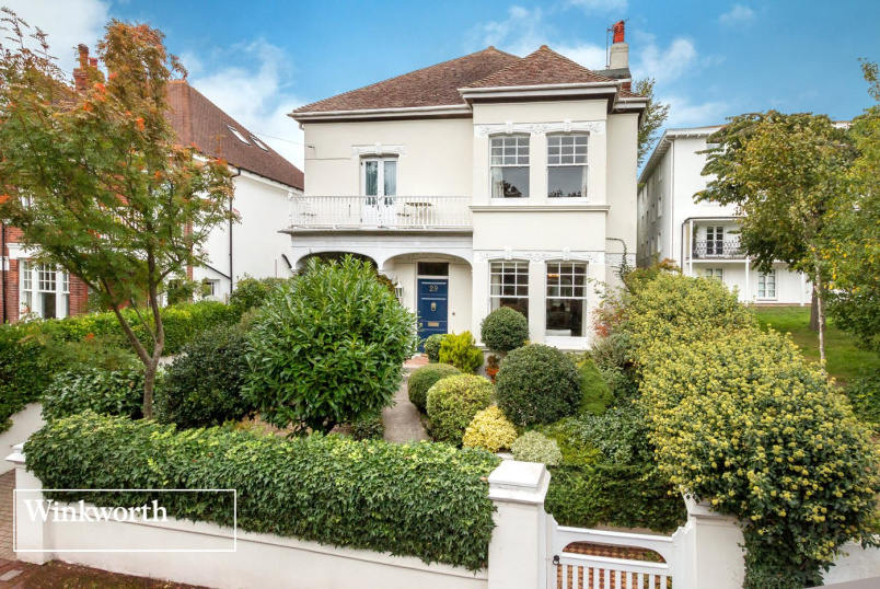 House for sale in Brighton & Hove - West Drive, Brighton, BN2