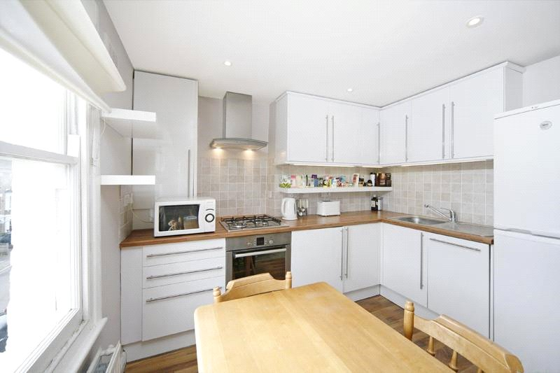 Flat/apartment to rent in Chiswick - Arlington Gardens, London, W4