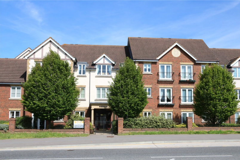 Flat/apartment for sale in Reading - Calcot Priory, Bath Road, Reading, RG31