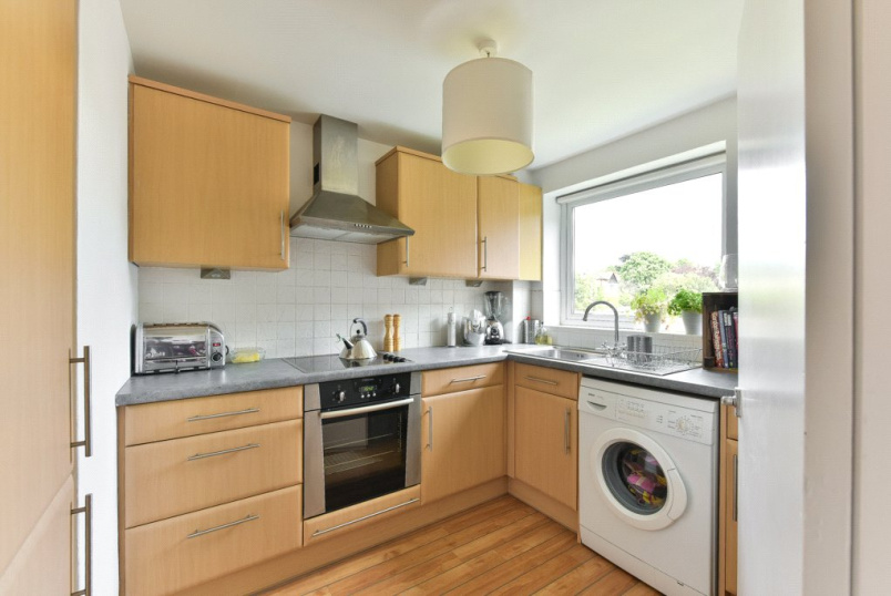 Flat/apartment for sale in Surbiton - Maple Road, Surbiton, KT6