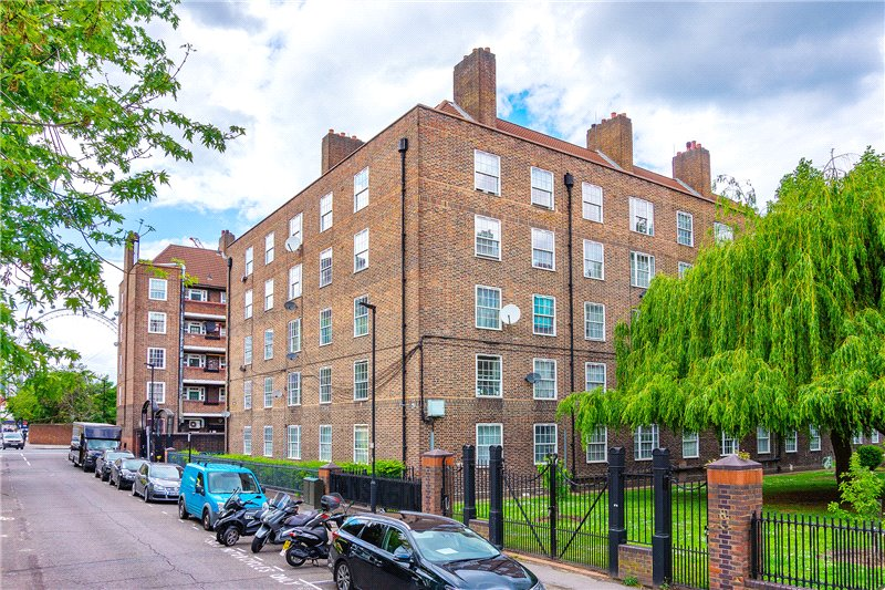 Flat/apartment for sale in Kennington - Santley House, Frazier Street, Waterloo, SE1
