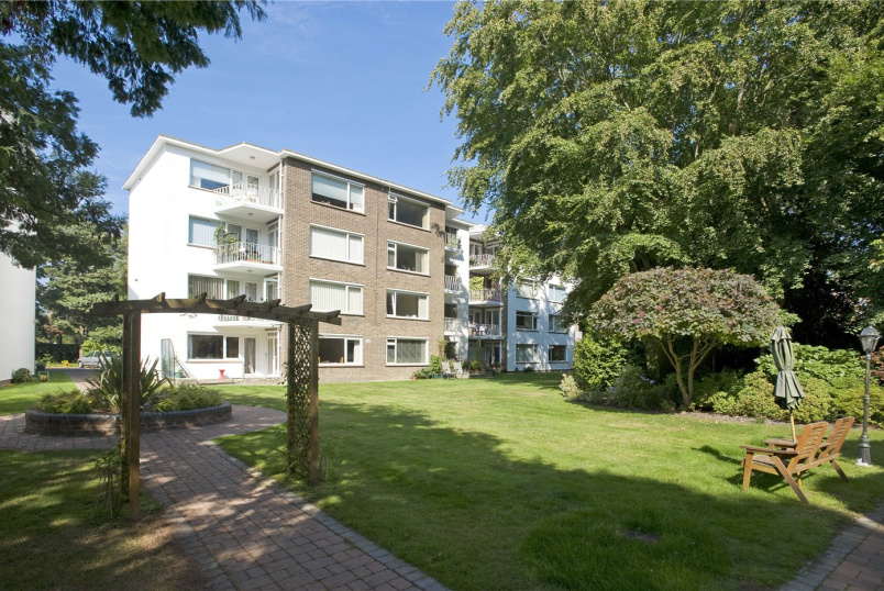 Flat/apartment to rent in Westbourne - Lindsay Park, 18 Lindsay Road, Branksome Park, BH13