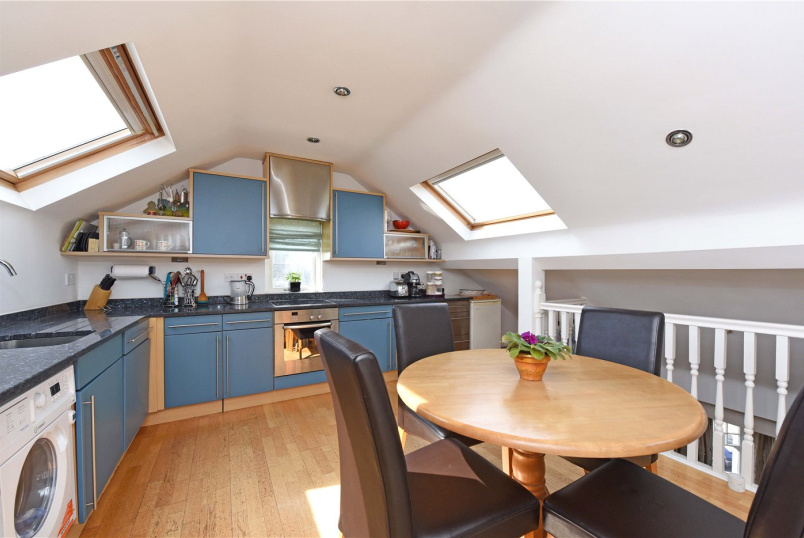 Flat/apartment for sale in Southfields - Elsenham Street, London, SW18