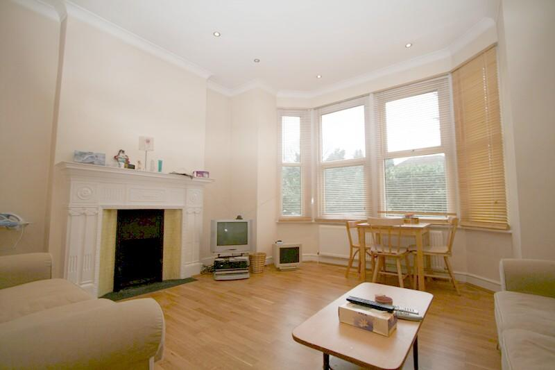 Flat/apartment to rent in Ealing & Acton - Creffield Road, Ealing Common, W5