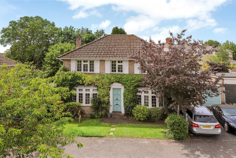 House for sale in Winchester - Francis Gardens, Winchester, Hampshire, SO23
