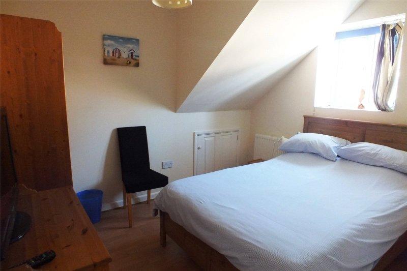 Fantastic 2 Bedroom Property For Sale In Dunmore Apartments Warren Home Interior And Landscaping Mentranervesignezvosmurscom