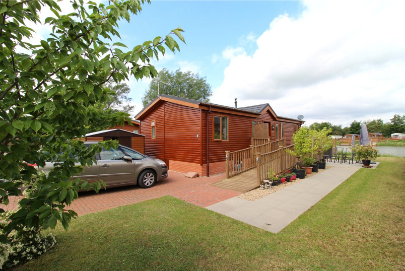 Bungalow for sale in Market Deeping - Lagoon Lodges, Tallington Lakes, Barholm Road, PE9
