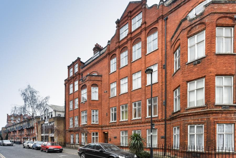 Flat to rent in  - PARK MANSIONS, SW8