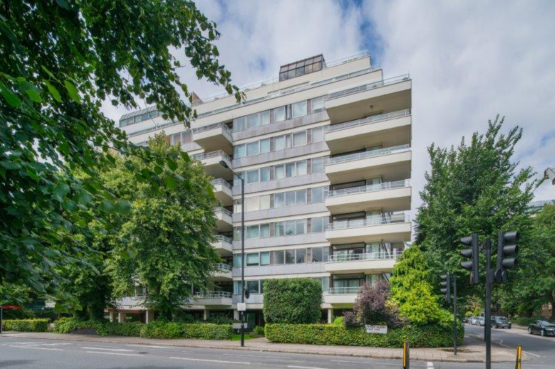 Apartment for sale in St Johns Wood - IMPERIAL COURT, ST JOHN'S WOOD, NW8 7PT