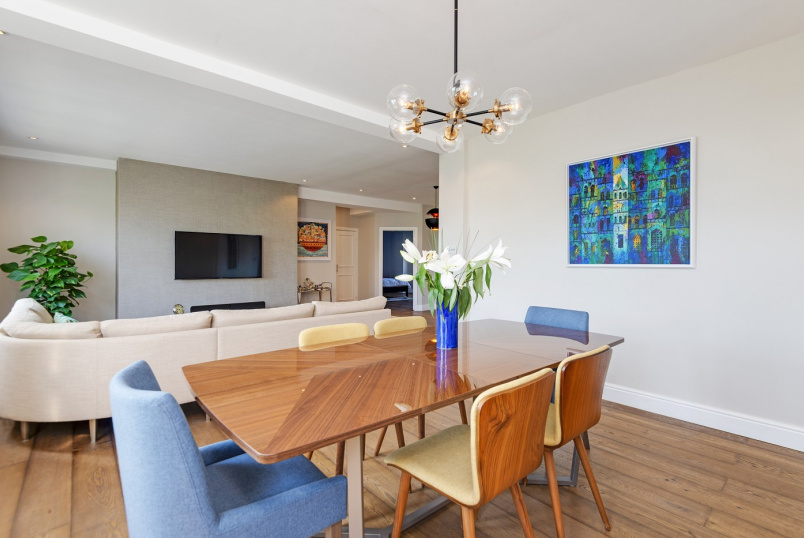 Apartment for sale in  - WELLINGTON COURT, ST JOHN'S WOOD, NW8 9TA