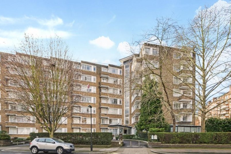 Flat to rent in St Johns Wood - OSLO COURT, PRINCE ALBERT ROAD, NW8 7EW