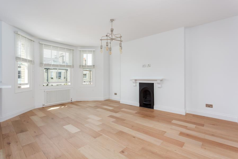 Flat to rent in St Johns Wood - CROSSFIELD ROAD, LONDON, NW3 4NT