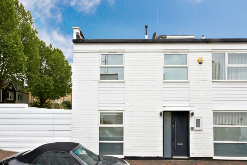 House - terraced to rent in St Johns Wood - CONYBEARE, NW3 3SD