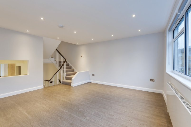 Unspecified to rent in St Johns Wood - MEADOWBANK, LONDON, NW3 3AY