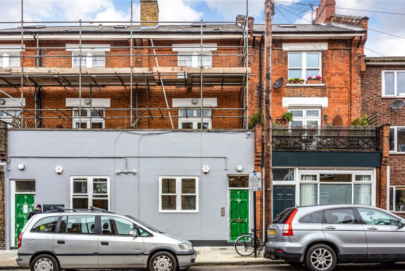 Flat/apartment for sale in Crouch End - Mount Pleasant Crescent, London, N4