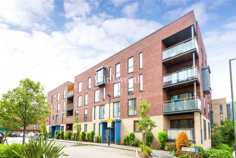 Flat/apartment for sale in Hendon - Billroth Court, Mornington Close, London, NW9