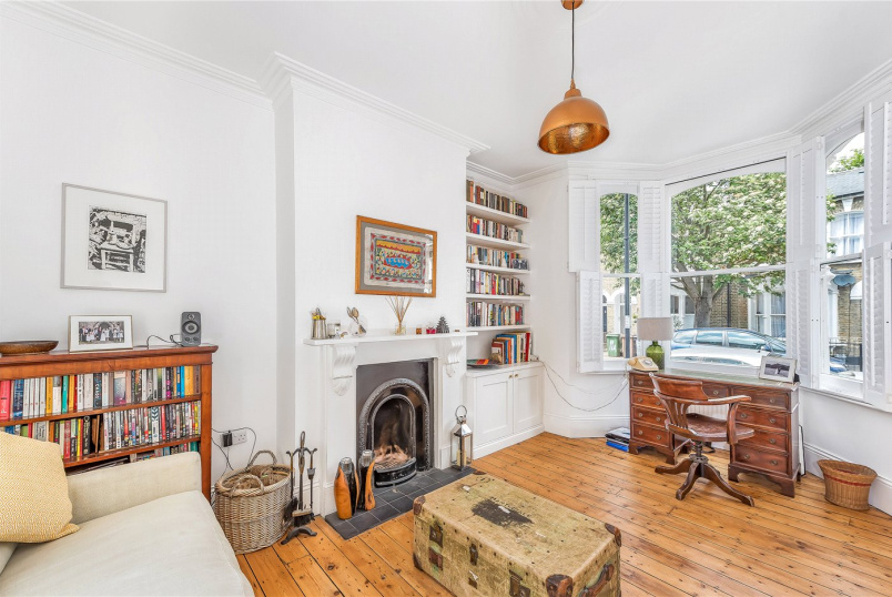 House for sale in New Cross - Wrigglesworth Street, London, SE14
