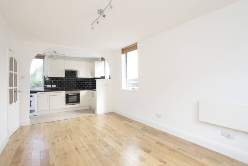 Apartment to rent in St Johns Wood - DINERMAN COURT, BOUNDARY ROAD, NW8 0HQ
