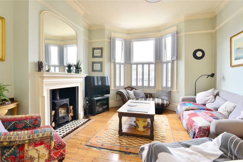 House for sale in Dulwich - Athenlay Road, Nunhead, SE15