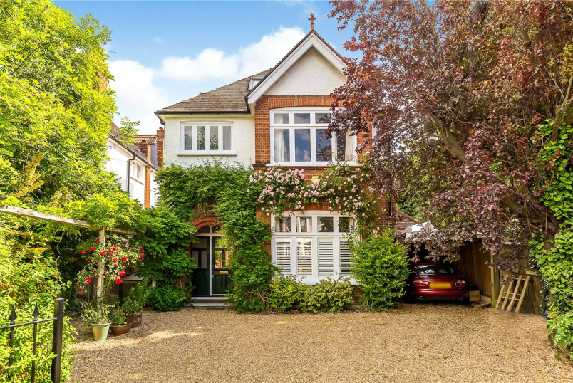 House for sale in Putney - Lytton Grove, London, SW15