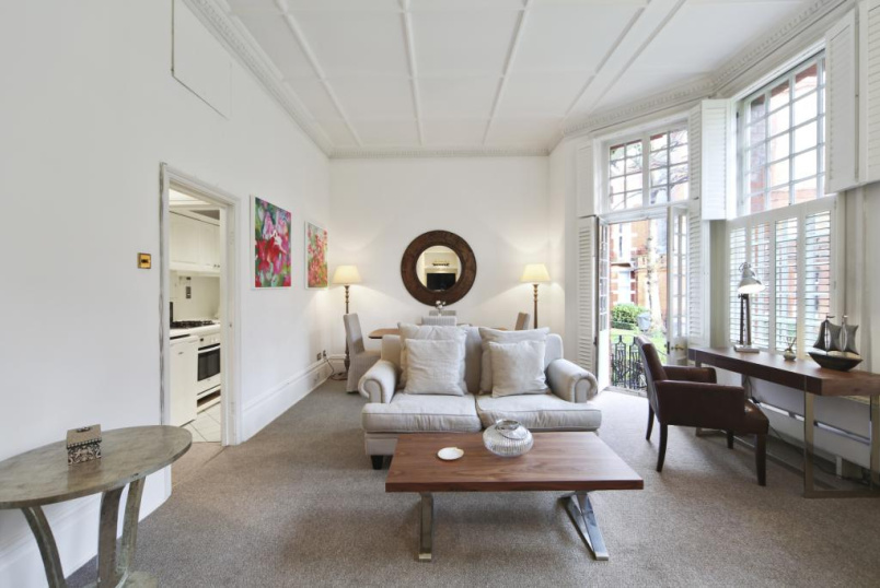 Flat/apartment to rent in Knightsbridge & Chelsea - Egerton Gardens, London, SW3
