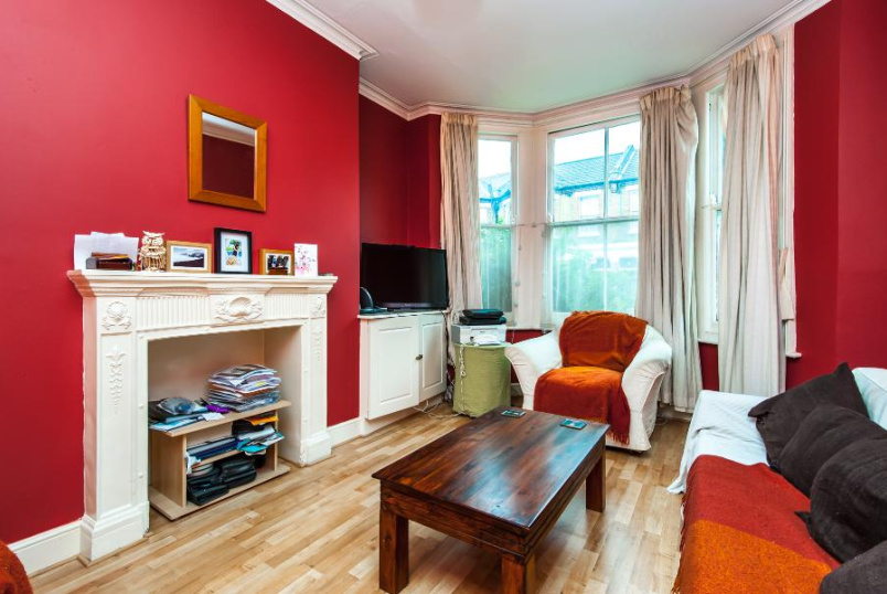 Flat to rent in Clapham - VENN STREET, SW4