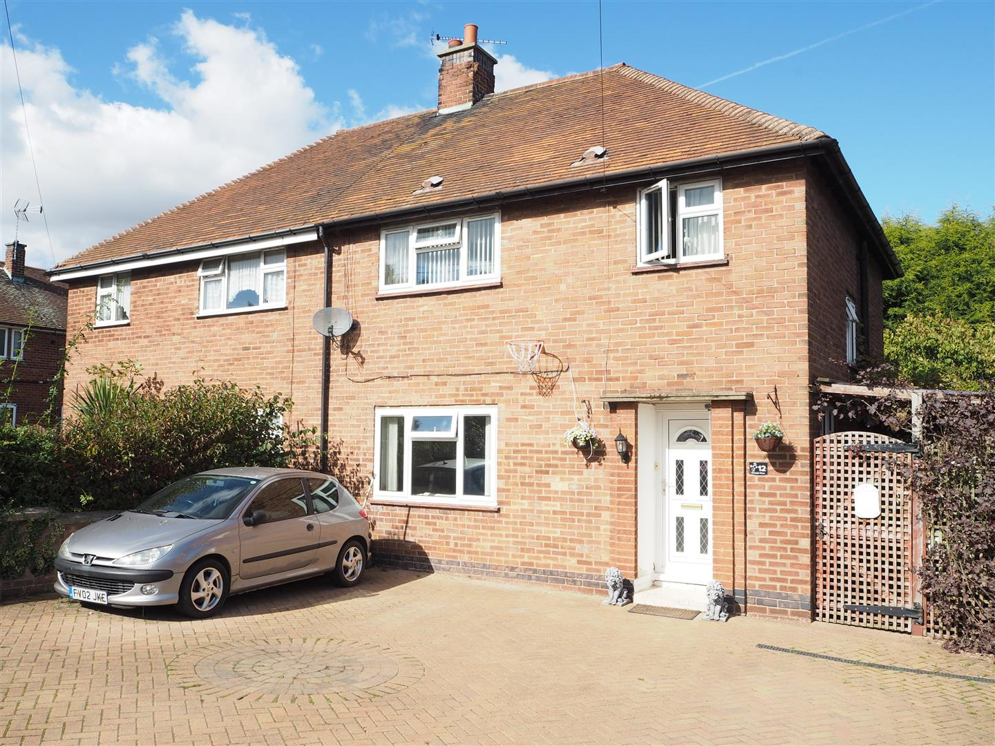 3 Bedroom Property For Sale In Triumph Close Eakring Newark