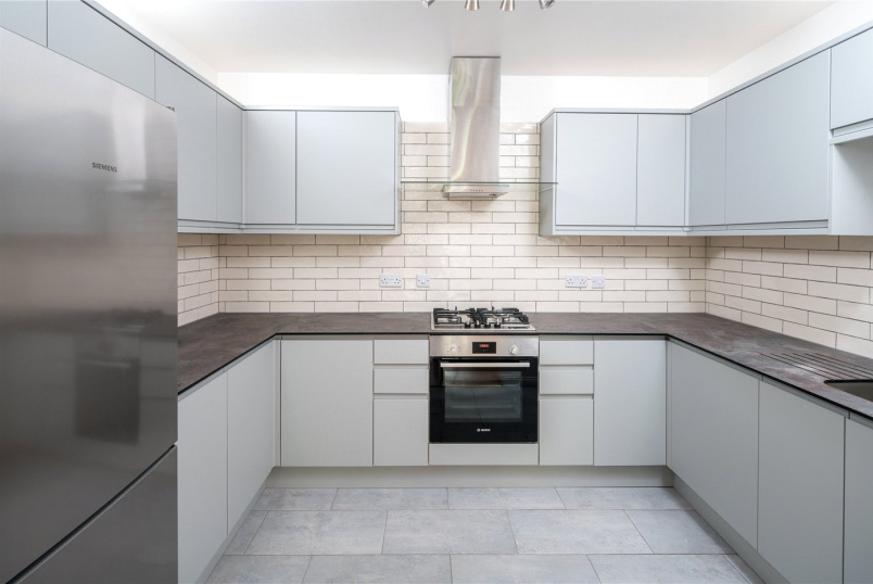 Flat/apartment to rent in Bow - Old Ford Road, London, E3