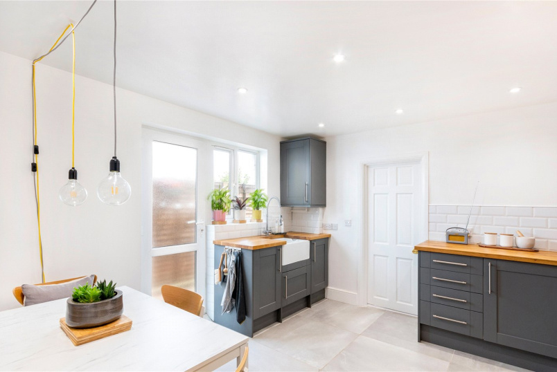 Maisonette for sale in Tooting - Heaton Road, Mitcham, CR4