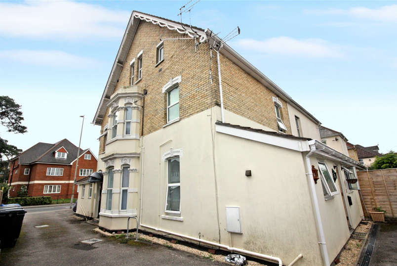 Flat/apartment to rent in Westbourne - Kingsbridge Court, 23 Kingsbridge Road, Poole, BH14