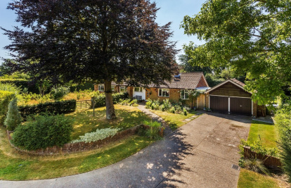 A wonderful bungalow in a sought after cul de sac close to everything in the Village