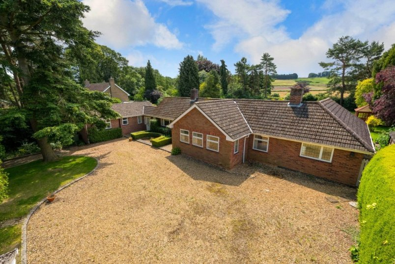 Bungalow for sale in Grantham - Rectory Lane, Harlaxton, Grantham, NG32