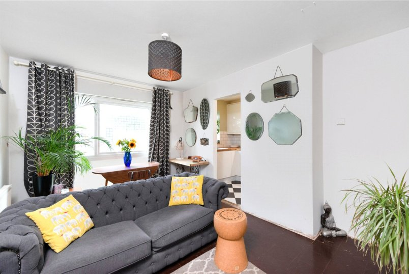 Flat/apartment for sale in Tooting - Cunliffe Street, London, SW16