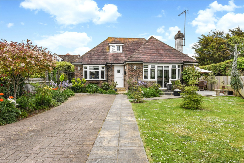 Bungalow for sale in Worthing - Sunny Close, Goring-by-Sea, Worthing, BN12