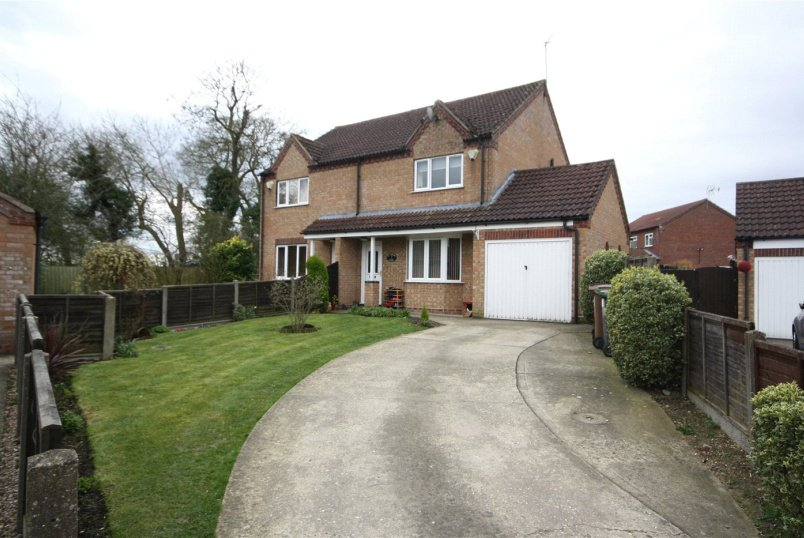 House for sale in Sleaford - St. Andrews Court, Timberland, Lincoln, LN4