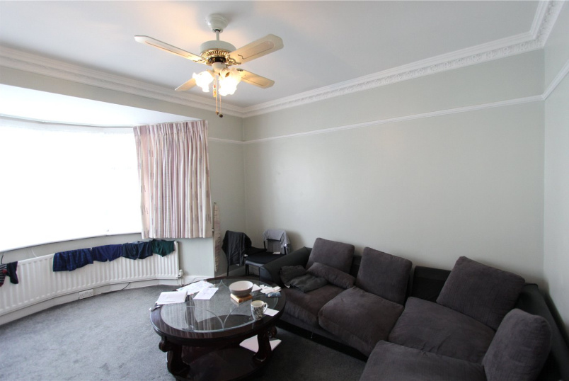 Flat/apartment to rent in Hendon - Colin Crescent, London, NW9