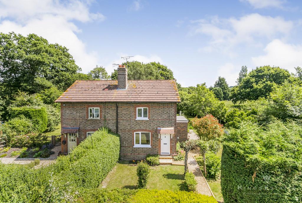 2 bedroom property for sale in Skinners Lane, Edenbridge